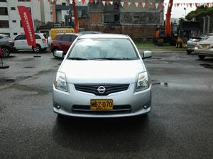 NISSAN Sentra 2.0 S Mecánico Full  Equipo 2013