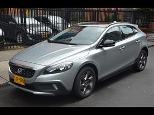 Volvo V40 Cross Country T4 Kinetic 2015