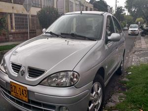 Renault Megane 1.4 Mecánico Aire 2007