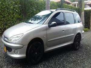 Peugeot 206 1.6 Xr Station Wagon Mecánico 2006