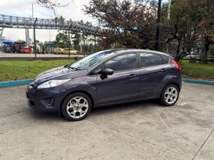 Ford Fiesta 1.6 Hatchback Mecánico 2013