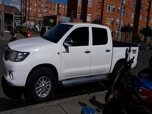 Toyota Hilux 4x4 Doble Cabina A.A. Diesel 2014