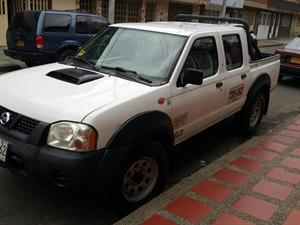 NISSAN Frontier NP300 2.5 4X4 Doble Cabina Turbo Diesel AA 2012