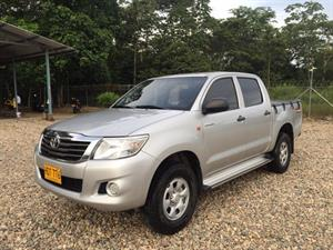 Toyota Hilux 4x4 Doble Cabina A.A. Diesel 2015