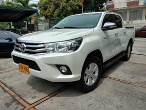 Toyota Hilux Doble Cabina 4x4 diesel SRV Automatico 2017